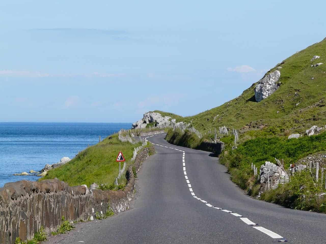 Irish country road. what to know before visiting Ireland