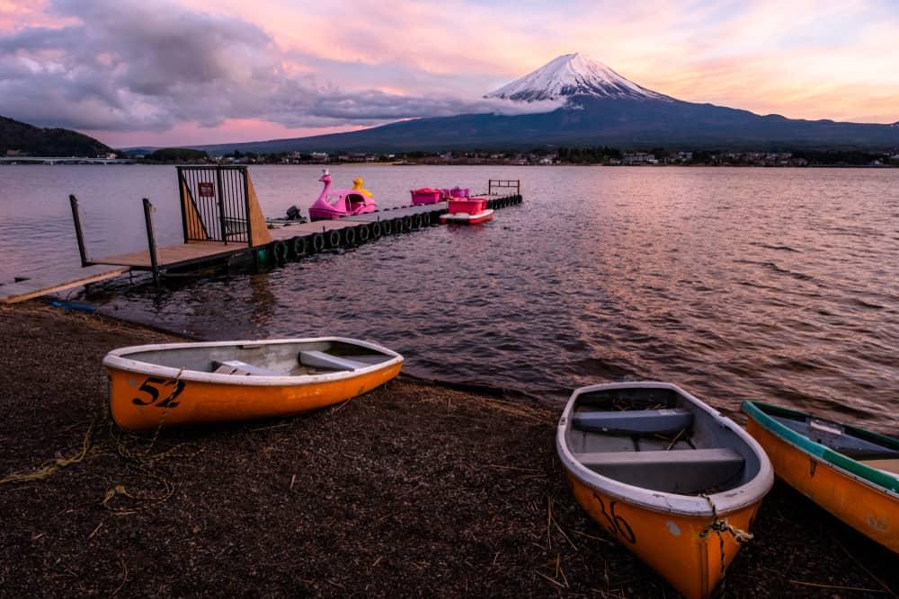 Kawaguchiko Fuji Five Lakes. day trips from tokyo